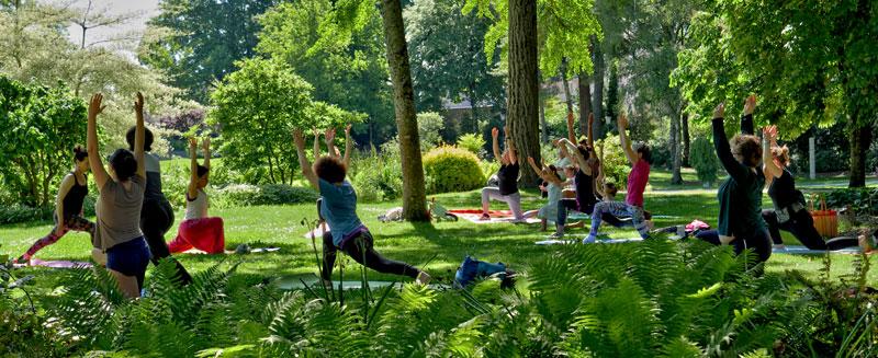 Yoga adulte au Parc V. Thuillat été 2019 avec Cécile et Jamila